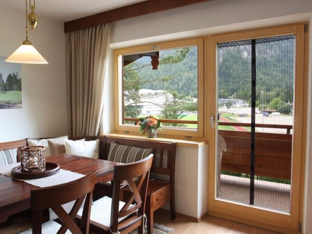 Wohnzimmer  Ferienwohnung Inzell-Gräbeldinger
