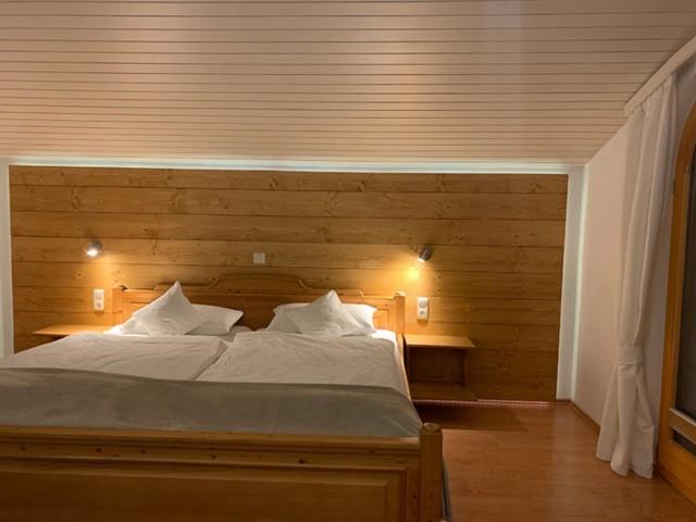 Schlafzimmer Ferienwohnung Inzell Gräbeldinger